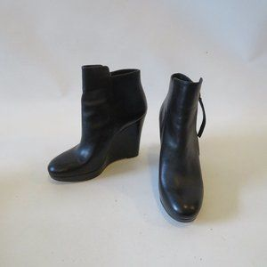 MICHAEL KORS BLACK LEATHER WEDGE BOOTIE SZ 6.5*